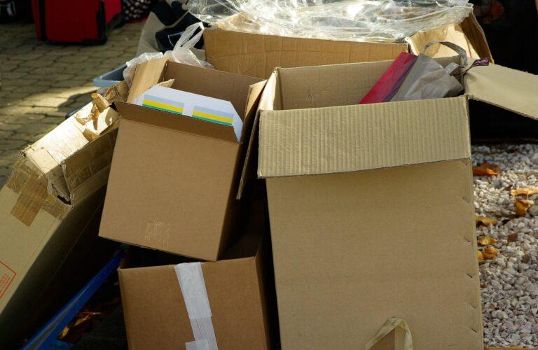 obsługa zwrotów towarowych w logistyce